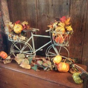 VINTAGE Autumn's Perfect Decorations